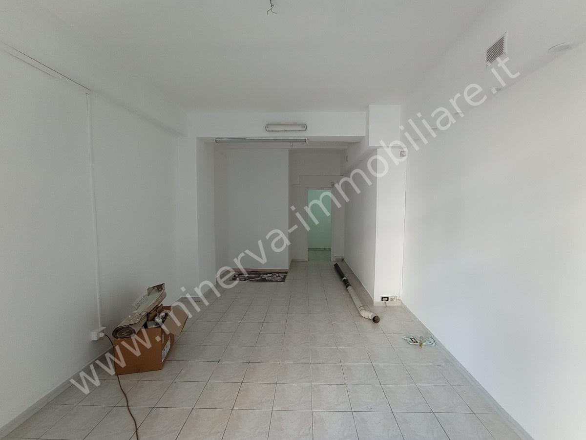 Negozio / Locale in affitto a Lentini, 1 locali, prezzo € 300 | CambioCasa.it