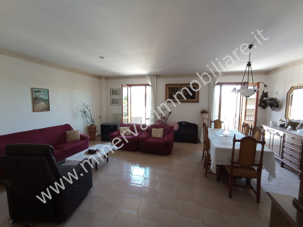 Appartamento in vendita a Carlentini, 4 locali, Trattative riservate | PortaleAgenzieImmobiliari.it