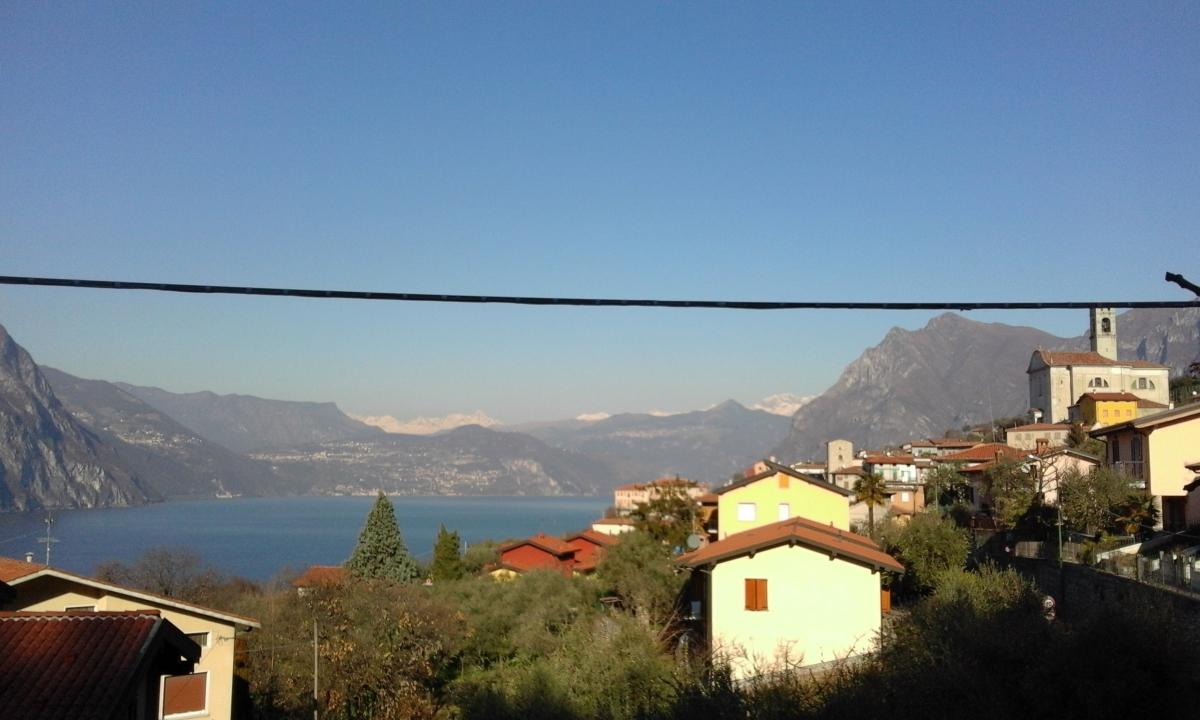 Appartamento in vendita a Monte Isola, 4 locali, prezzo € 169.000   PortaleAgenzieImmobiliari.it