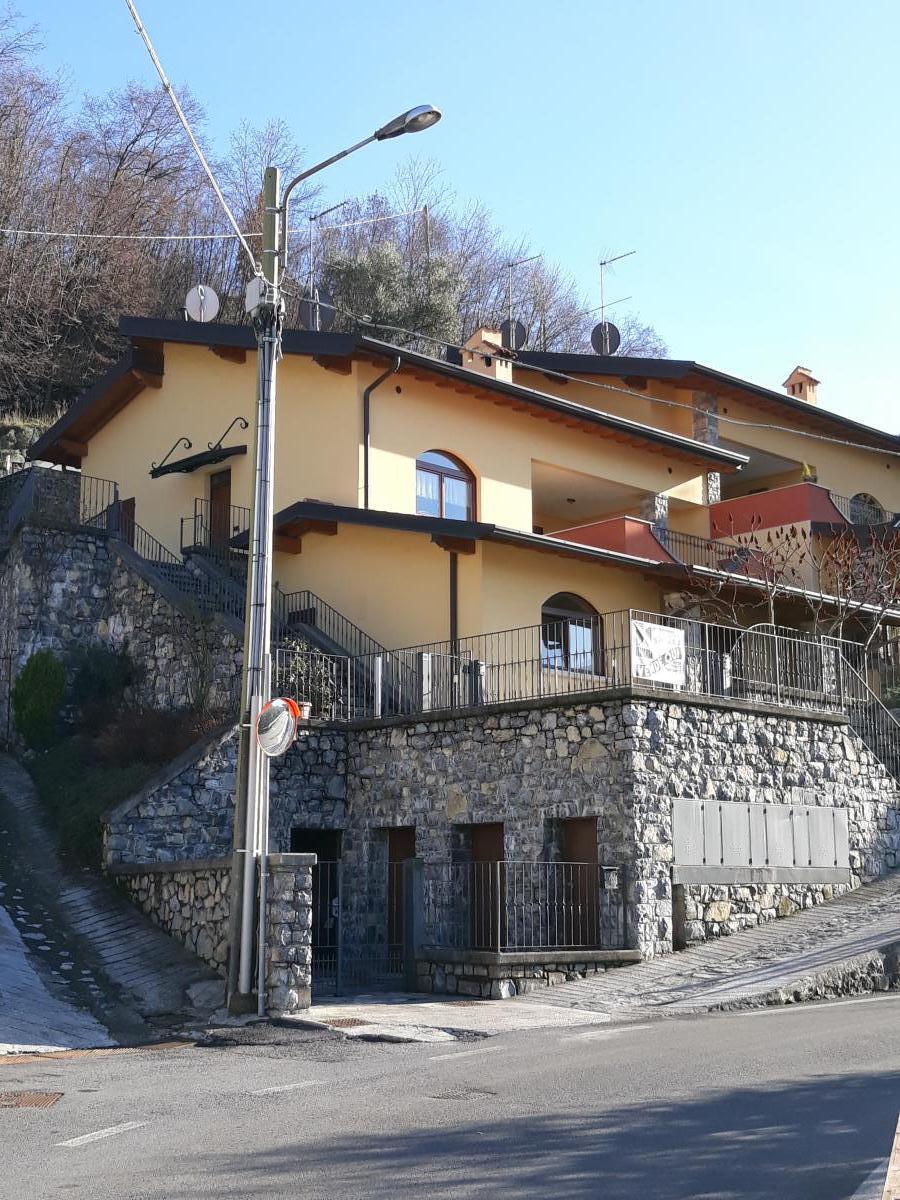 Appartamento in vendita a Monte Isola, 4 locali, prezzo € 169.000 | PortaleAgenzieImmobiliari.it