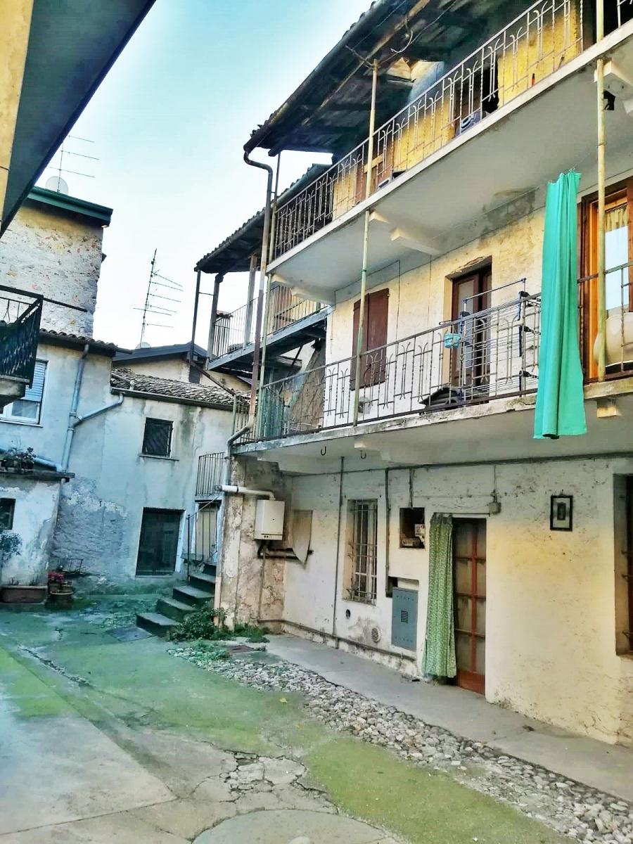 Soluzione Semindipendente in vendita a Marone, 5 locali, prezzo € 39.000 | PortaleAgenzieImmobiliari.it