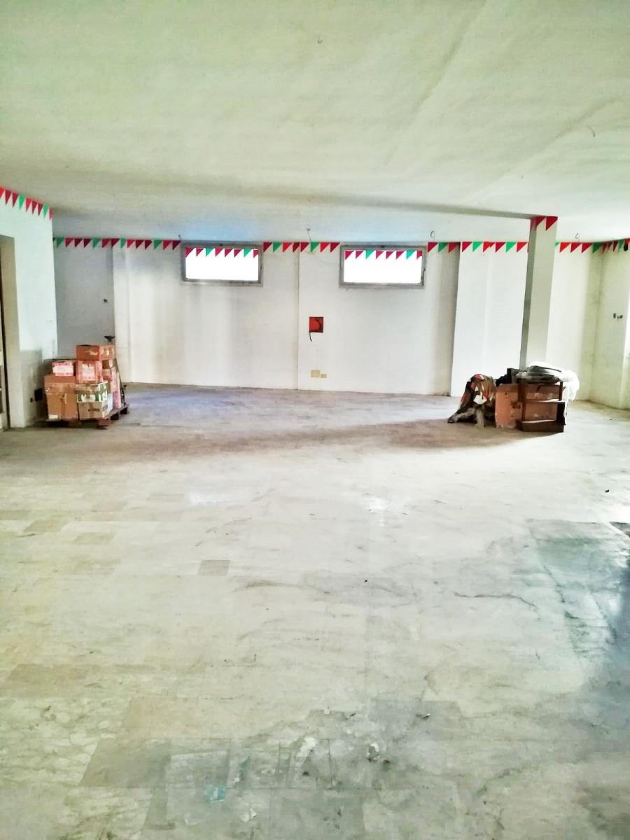 Rustico / Casale in vendita a Marone, 4 locali, prezzo € 120.000   PortaleAgenzieImmobiliari.it
