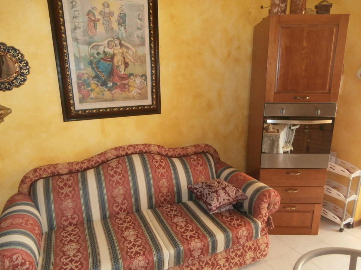 Appartamento in vendita a Sale Marasino, 3 locali, prezzo € 133.000 | PortaleAgenzieImmobiliari.it