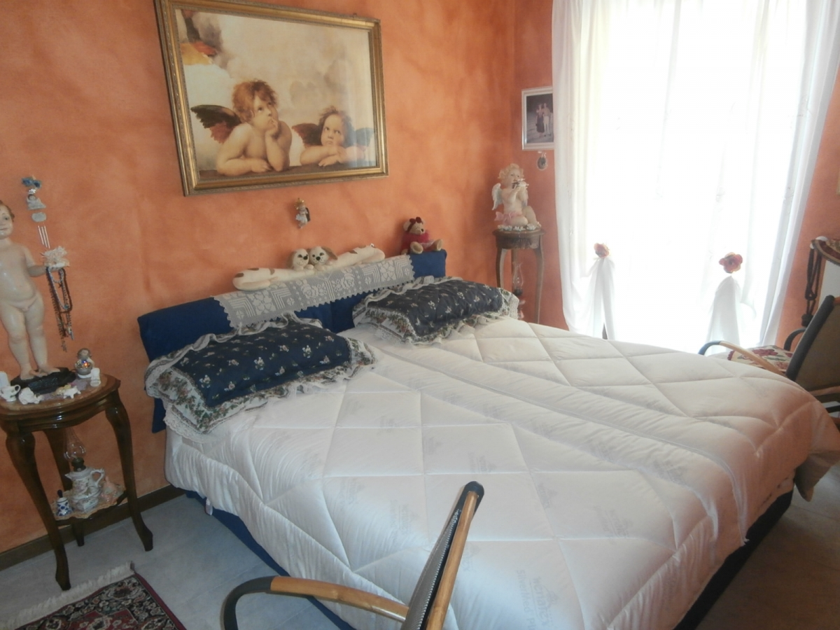 Appartamento in vendita a Sale Marasino, 3 locali, prezzo € 133.000   CambioCasa.it