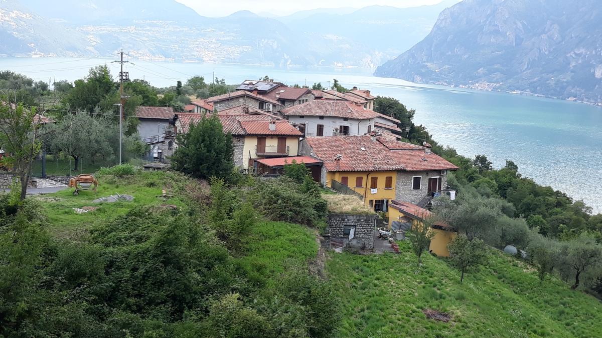 Terreno Edificabile Comm.le/Ind.le in vendita a Monte Isola, 9999 locali, prezzo € 66.000 | PortaleAgenzieImmobiliari.it