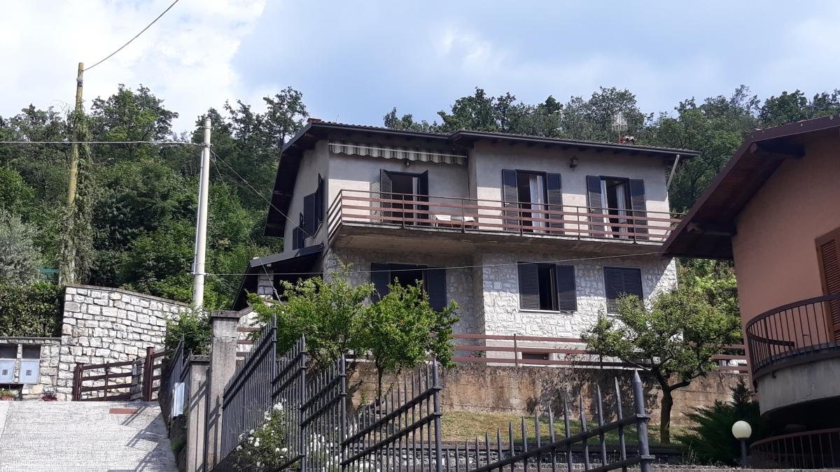 Villa in vendita a Monte Isola (BS)