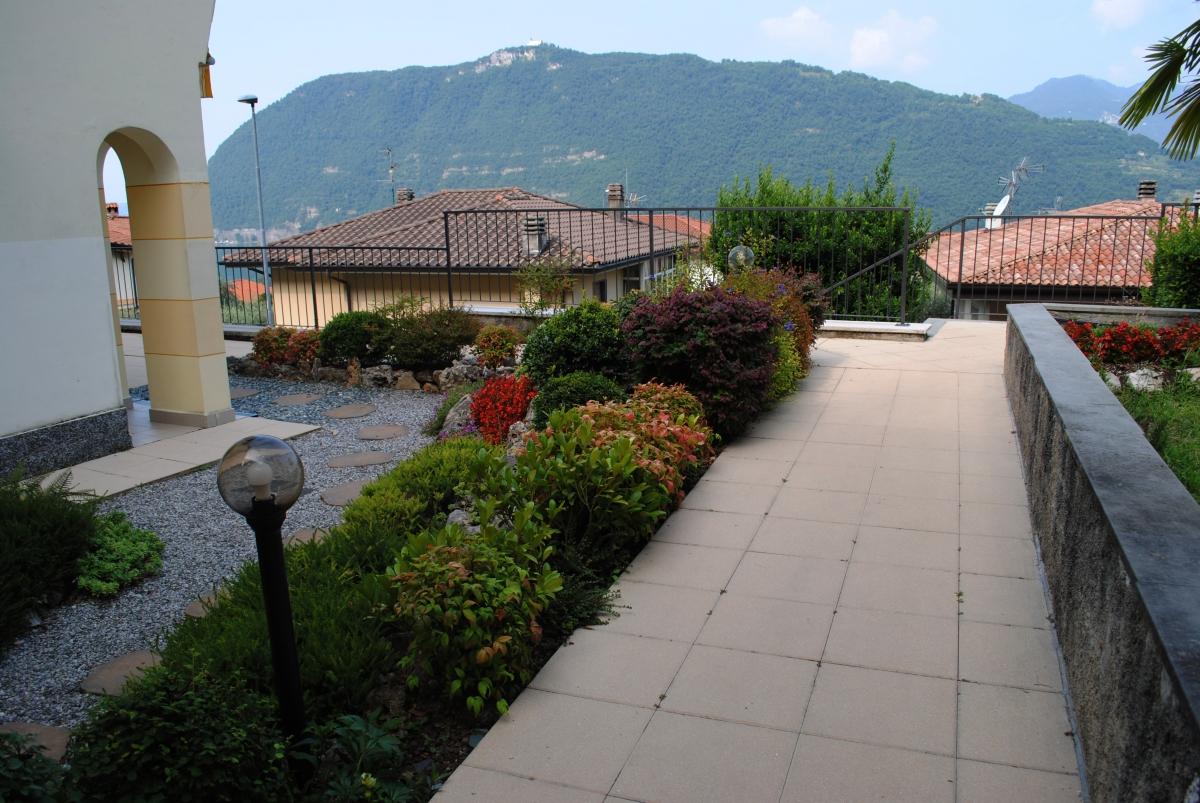 Appartamento in vendita a Sale Marasino, 2 locali, prezzo € 159.000 | PortaleAgenzieImmobiliari.it