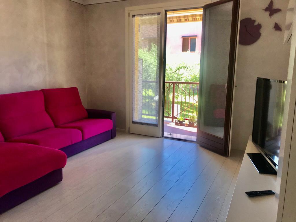 Appartamento in vendita a Sale Marasino, 3 locali, prezzo € 176.000   CambioCasa.it
