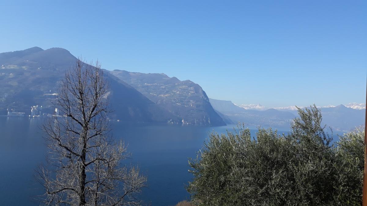 Appartamento in vendita a Monte Isola, 3 locali, prezzo € 170.000 | CambioCasa.it