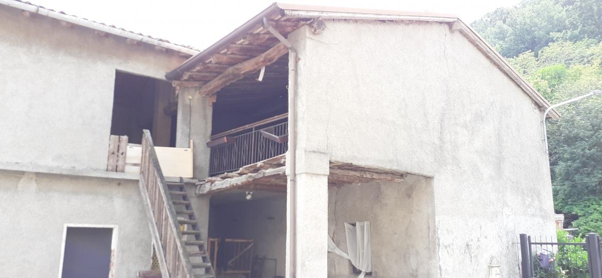 Rustico / Casale in vendita a Provaglio d'Iseo, 5 locali, prezzo € 105.000 | PortaleAgenzieImmobiliari.it