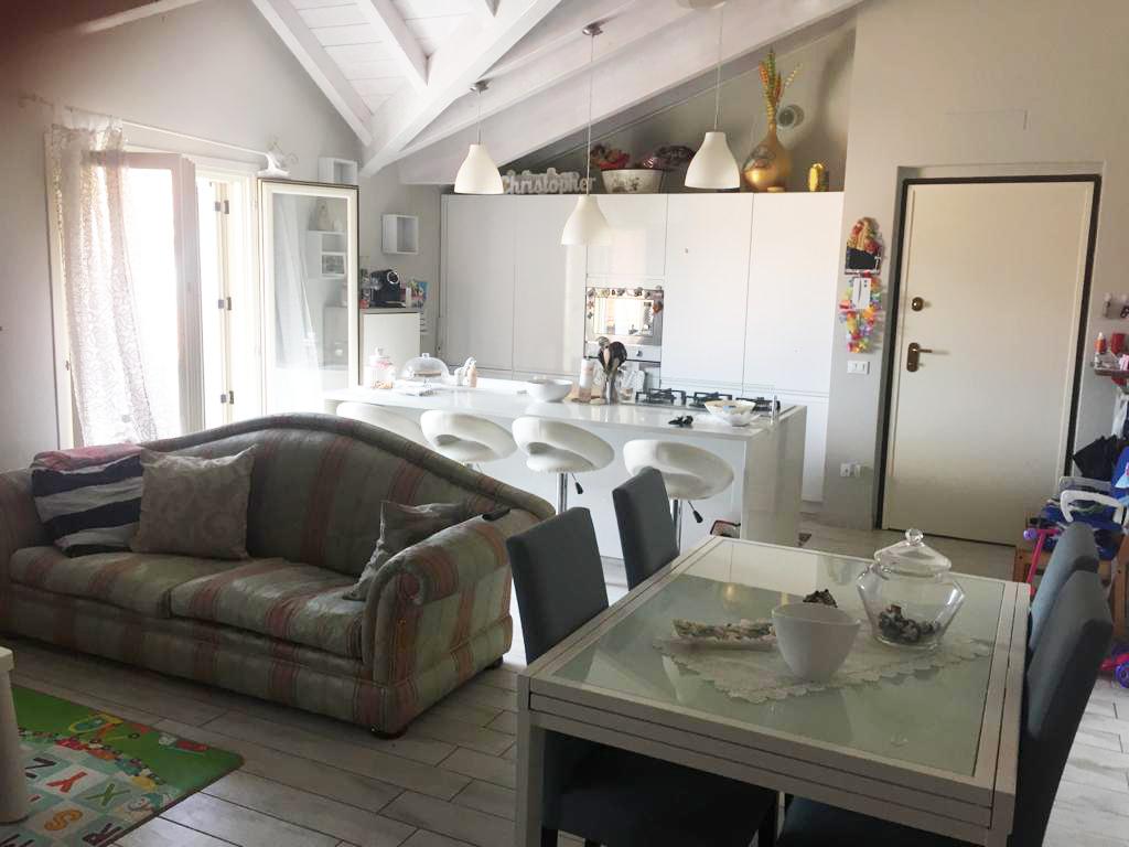 Appartamento in vendita a Capriolo, 3 locali, prezzo € 140.000 | CambioCasa.it