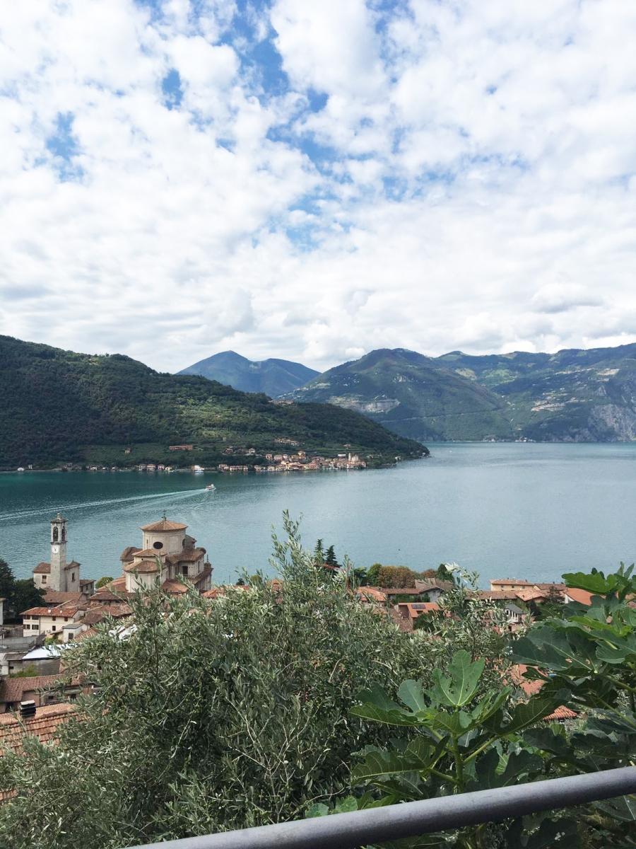 Appartamento in vendita a Sale Marasino, 2 locali, prezzo € 74.000   CambioCasa.it