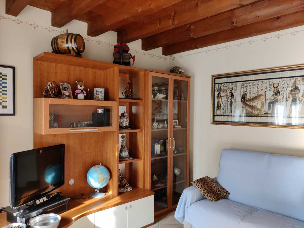 Appartamento in vendita a Sale Marasino, 2 locali, prezzo € 145.000   PortaleAgenzieImmobiliari.it