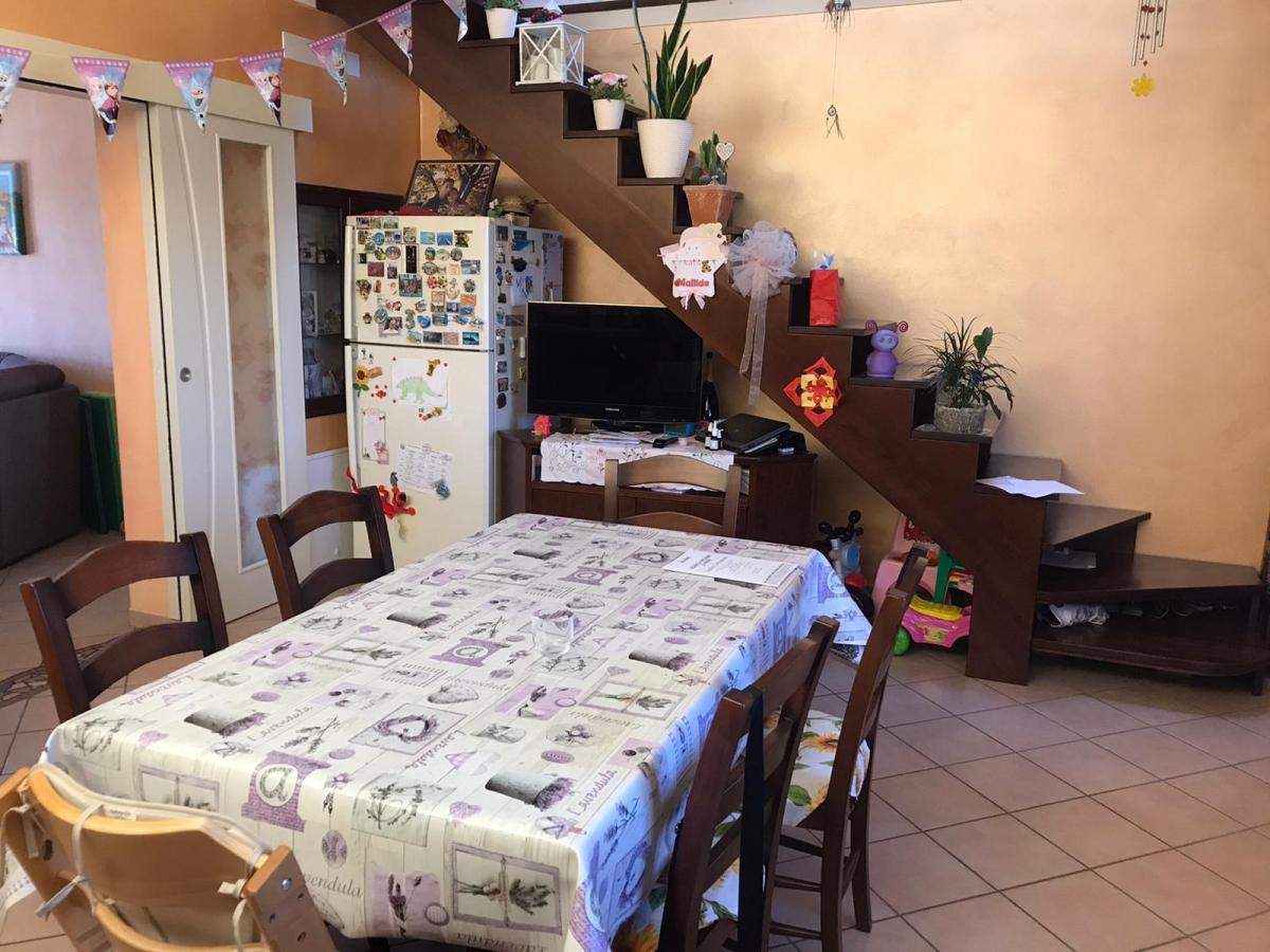 Appartamento in vendita a Cazzago San Martino, 4 locali, prezzo € 197.000 | CambioCasa.it
