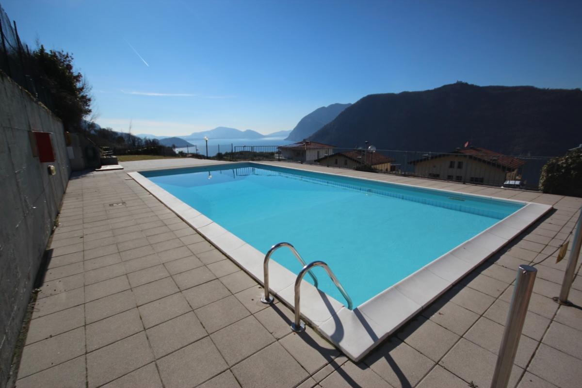Appartamento in vendita a Sale Marasino, 2 locali, prezzo € 105.000   CambioCasa.it
