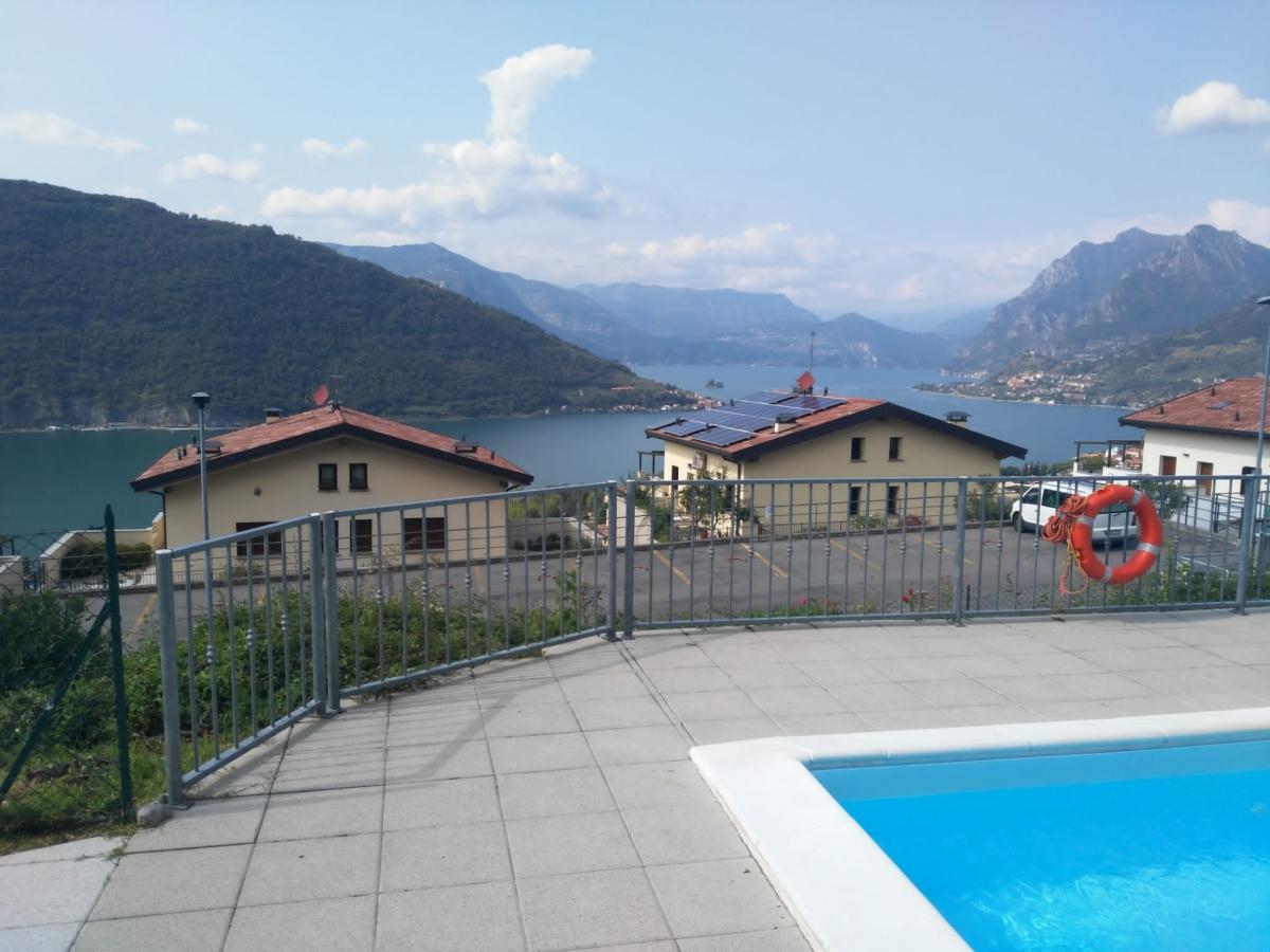 Appartamento in vendita a Sale Marasino, 2 locali, prezzo € 105.000 | CambioCasa.it