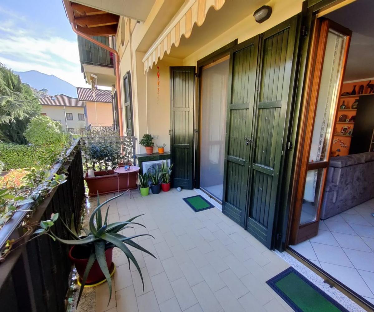 Appartamento in vendita a Marone, 3 locali, prezzo € 169.000   CambioCasa.it