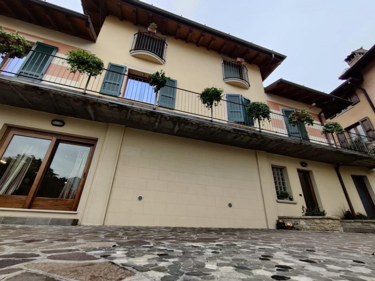 Appartamento in vendita a Iseo, 7 locali, prezzo € 475.000 | PortaleAgenzieImmobiliari.it