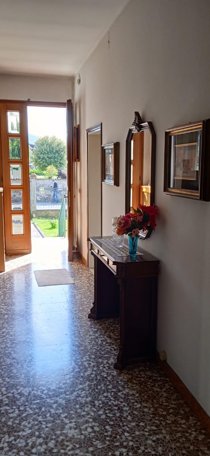 Appartamento in vendita a Passirano, 4 locali, prezzo € 144.000   CambioCasa.it