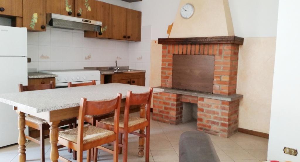 Appartamento da ristrutturare arredato in vendita Rif. 6605766