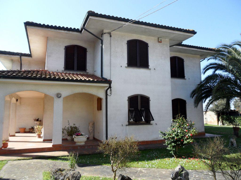 Villa in vendita a Montopoli in Val d'Arno, 8 locali, prezzo € 1.100.000 | CambioCasa.it