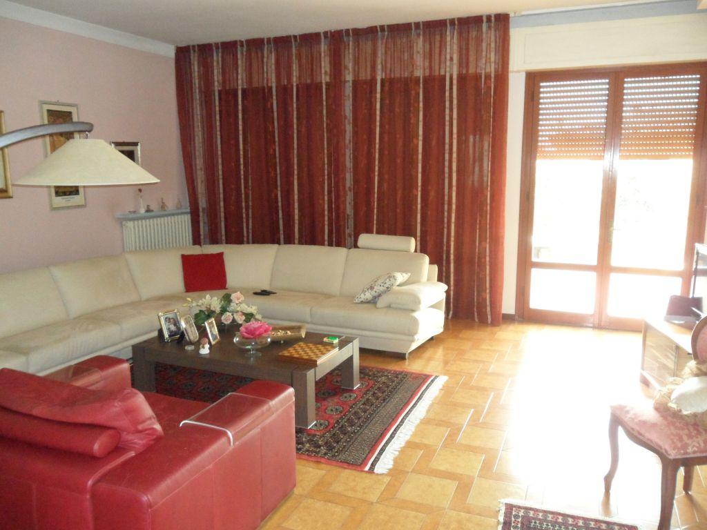 Casa Indipendente in buone condizioni in vendita Rif. 4790805