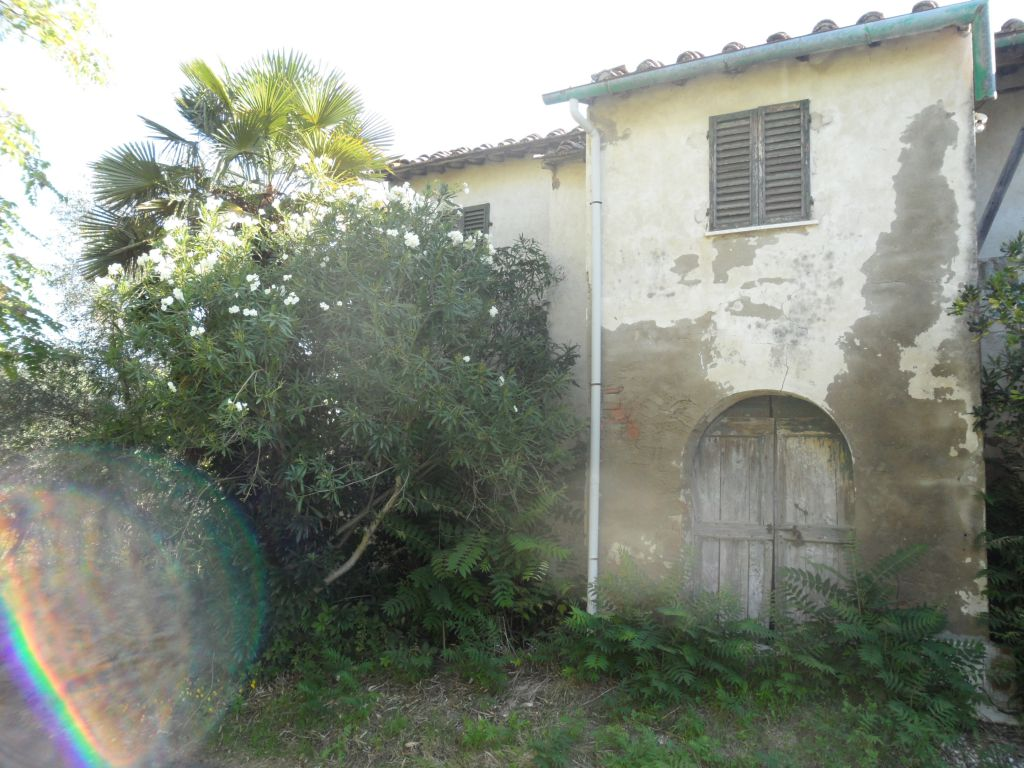 Rustico / Casale in vendita a San Miniato, 4 locali, Trattative riservate | CambioCasa.it