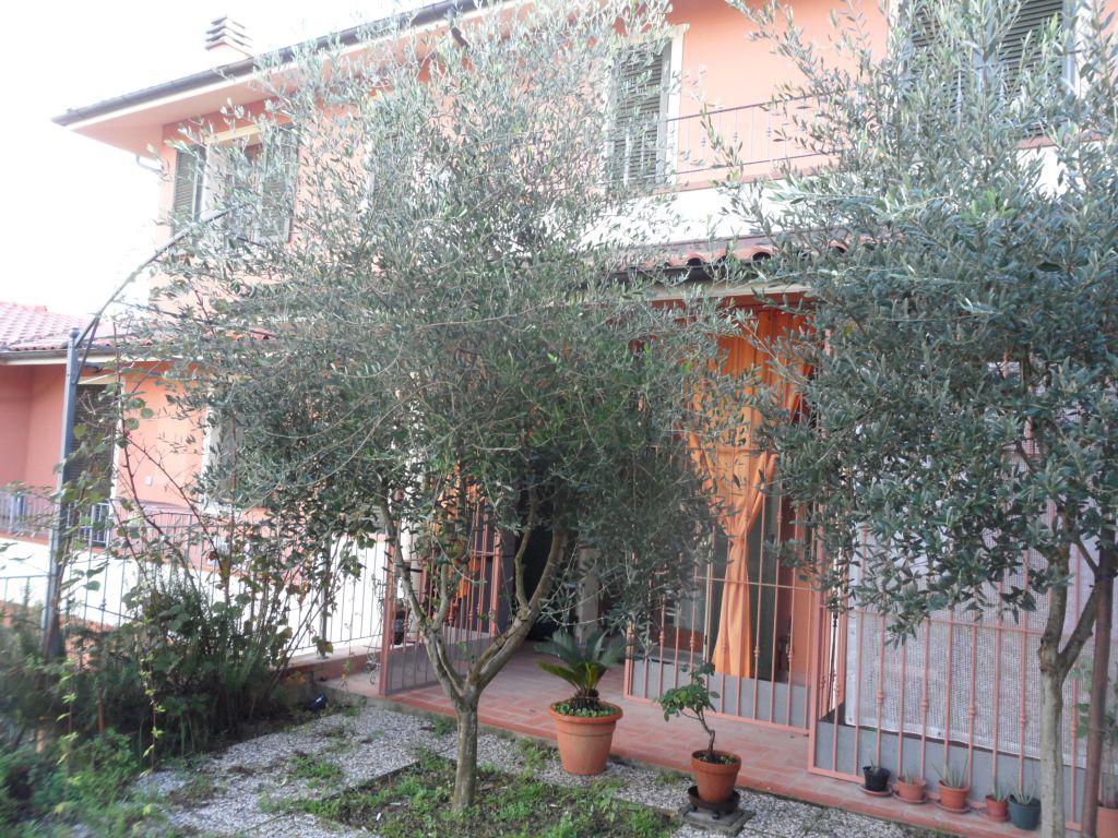 Appartamento in vendita a Montopoli in Val d'Arno, 3 locali, zona Zona: Capanne, prezzo € 195.000 | Cambio Casa.it