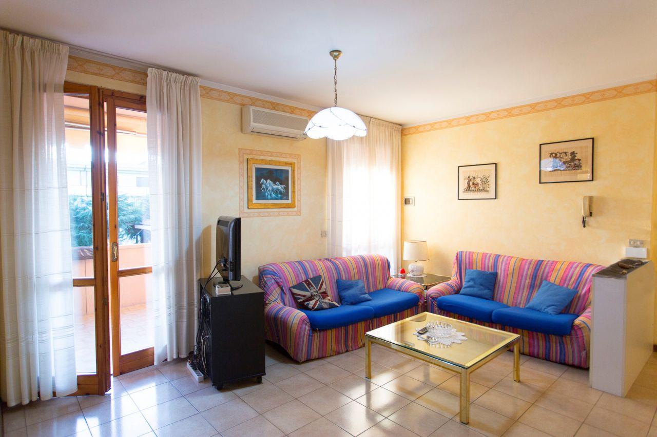 Appartamento in vendita a San Miniato, 4 locali, zona Località: PONTE A EGOLA, prezzo € 170.000 | Cambio Casa.it