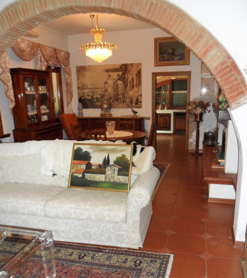 Soluzione Semindipendente in affitto a San Miniato, 5 locali, prezzo € 1.000   CambioCasa.it