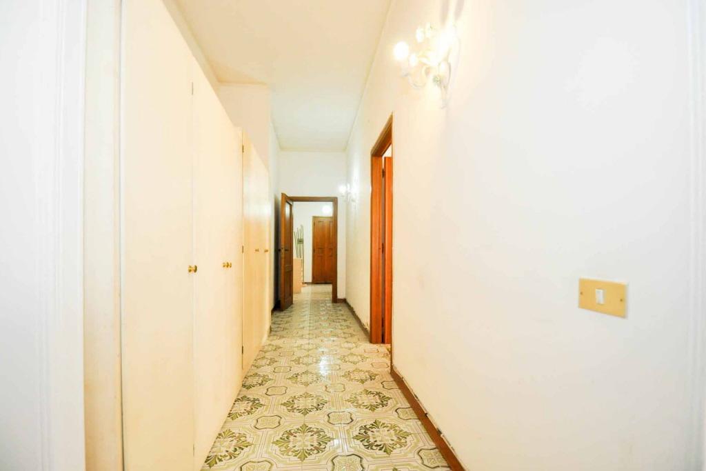 Appartamento in discrete condizioni arredato in vendita Rif. 4791331