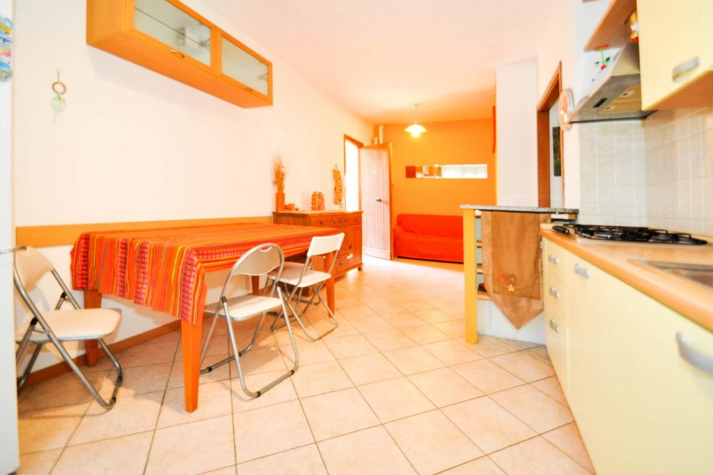 Appartamento in buone condizioni arredato in vendita Rif. 4791308