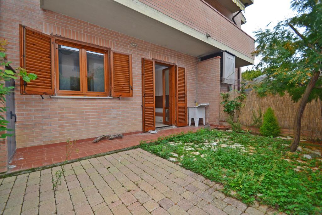 Appartamento in ottime condizioni arredato in vendita Rif. 4791269