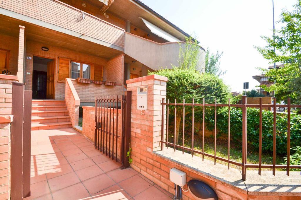 Appartamento in ottime condizioni in vendita Rif. 8394113