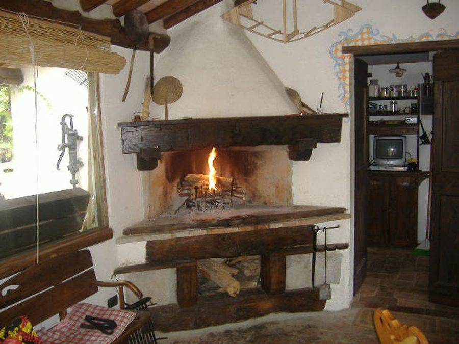 Rustico / Casale in buone condizioni in affitto Rif. 8420007