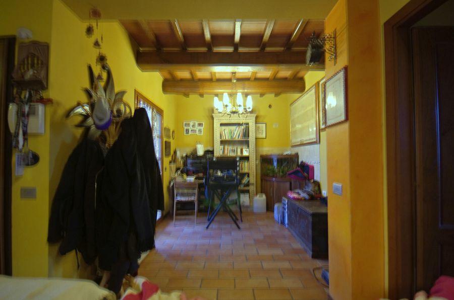 Appartamento in ottime condizioni in vendita Rif. 9170196