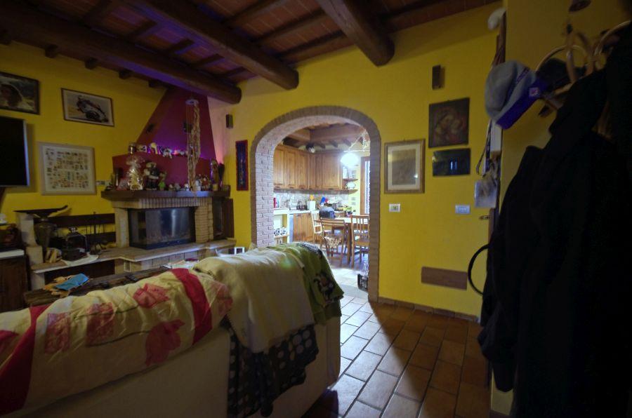 Appartamento in ottime condizioni in vendita Rif. 10330459