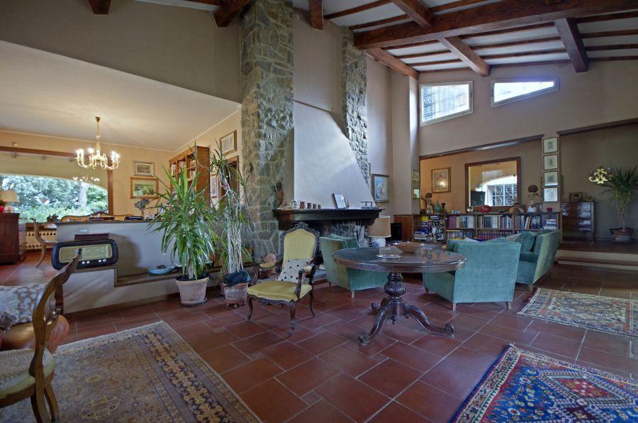 Villa in buone condizioni in vendita Rif. 10465626