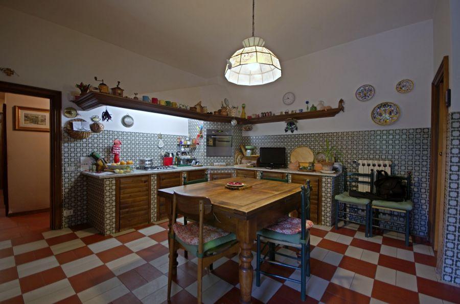 Villa in buone condizioni in vendita Rif. 10984633
