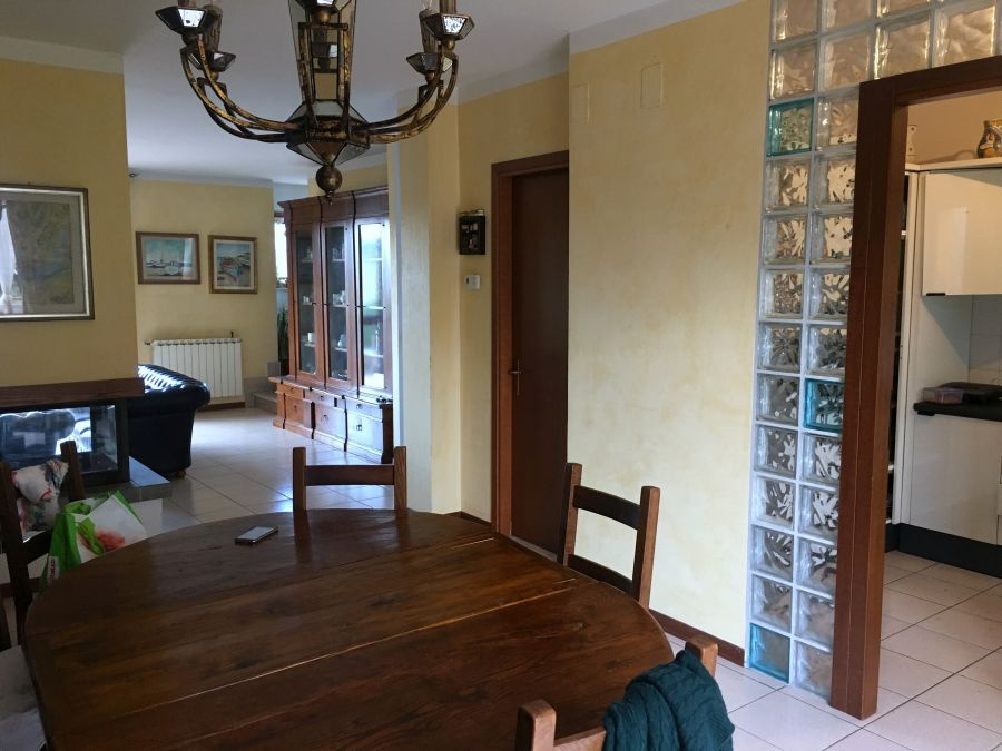 Casa Indipendente in ottime condizioni in vendita Rif. 11274043