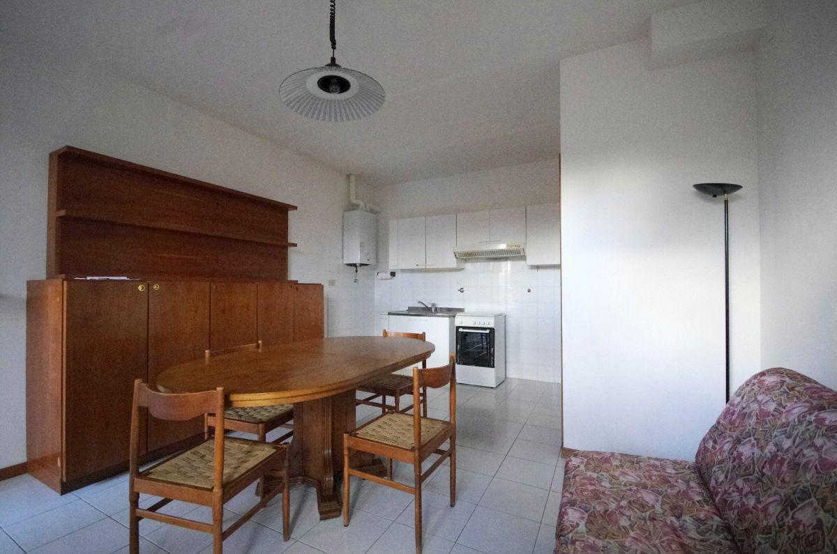 Appartamento in ottime condizioni in vendita Rif. 11838061