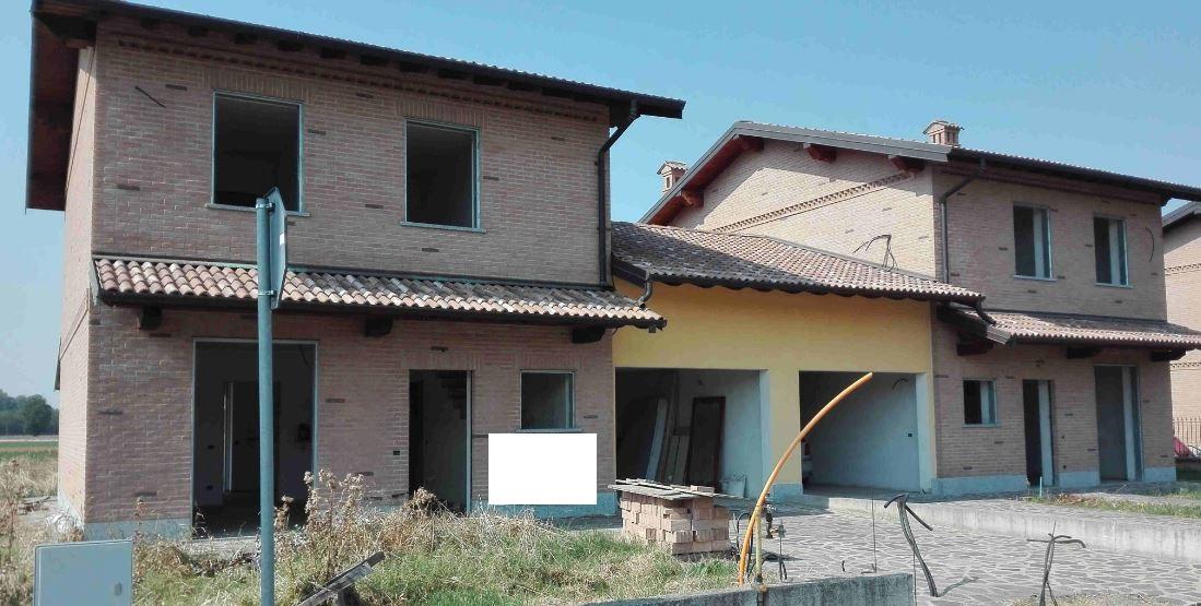 vendita villa a schiera barbianello   81225 euro  6 locali  183 mq