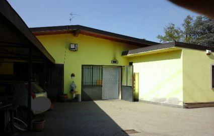 Casa indipendente quadrilocale in vendita a Galliate (NO)