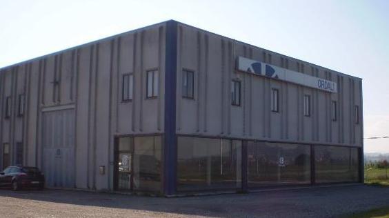 Capannone 6 locali in vendita a Portalbera (PV)