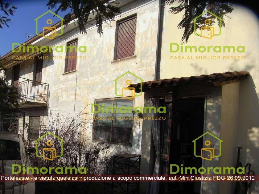Appartamento in vendita a Dorno, 9 locali, prezzo € 114.412 | CambioCasa.it