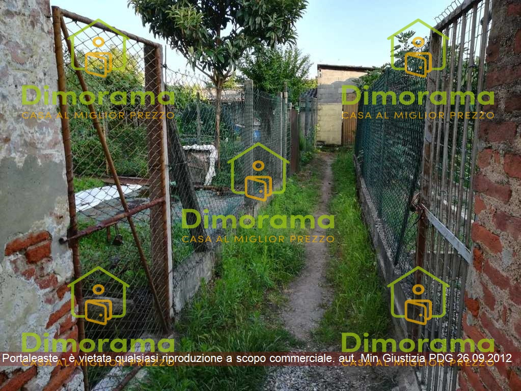 Casa indipendente trilocale in vendita a Santa Cristina e Bissone (PV)