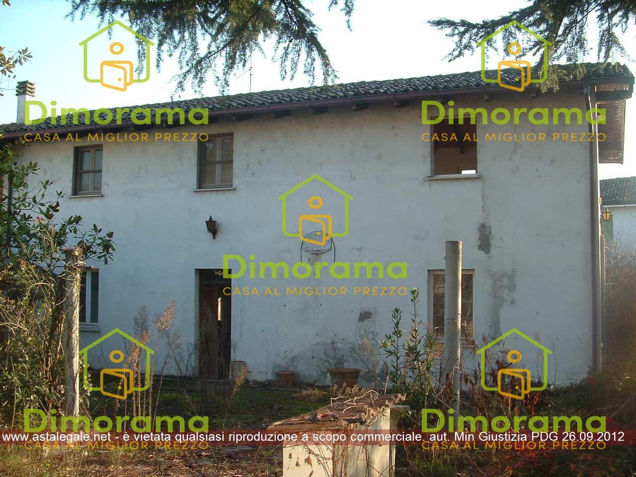Appartamento in vendita a Torre Beretti e Castellaro, 14 locali, prezzo € 42.477 | CambioCasa.it