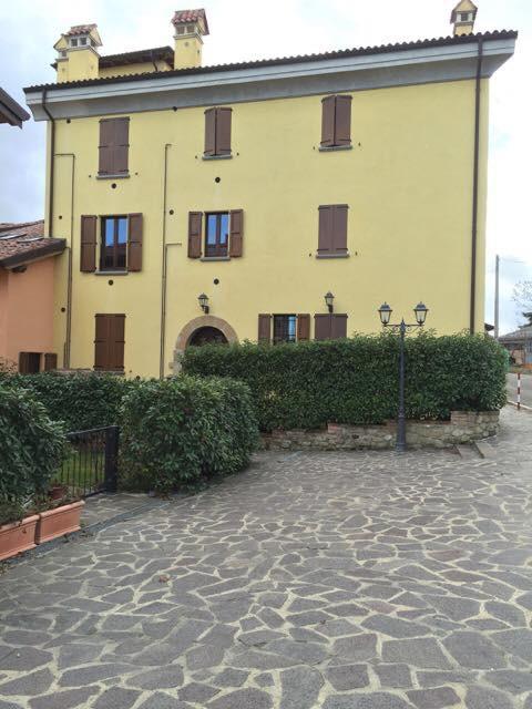 Appartamento in affitto a Sasso Marconi, 2 locali, zona Zona: Lagune, prezzo € 350 | Cambio Casa.it