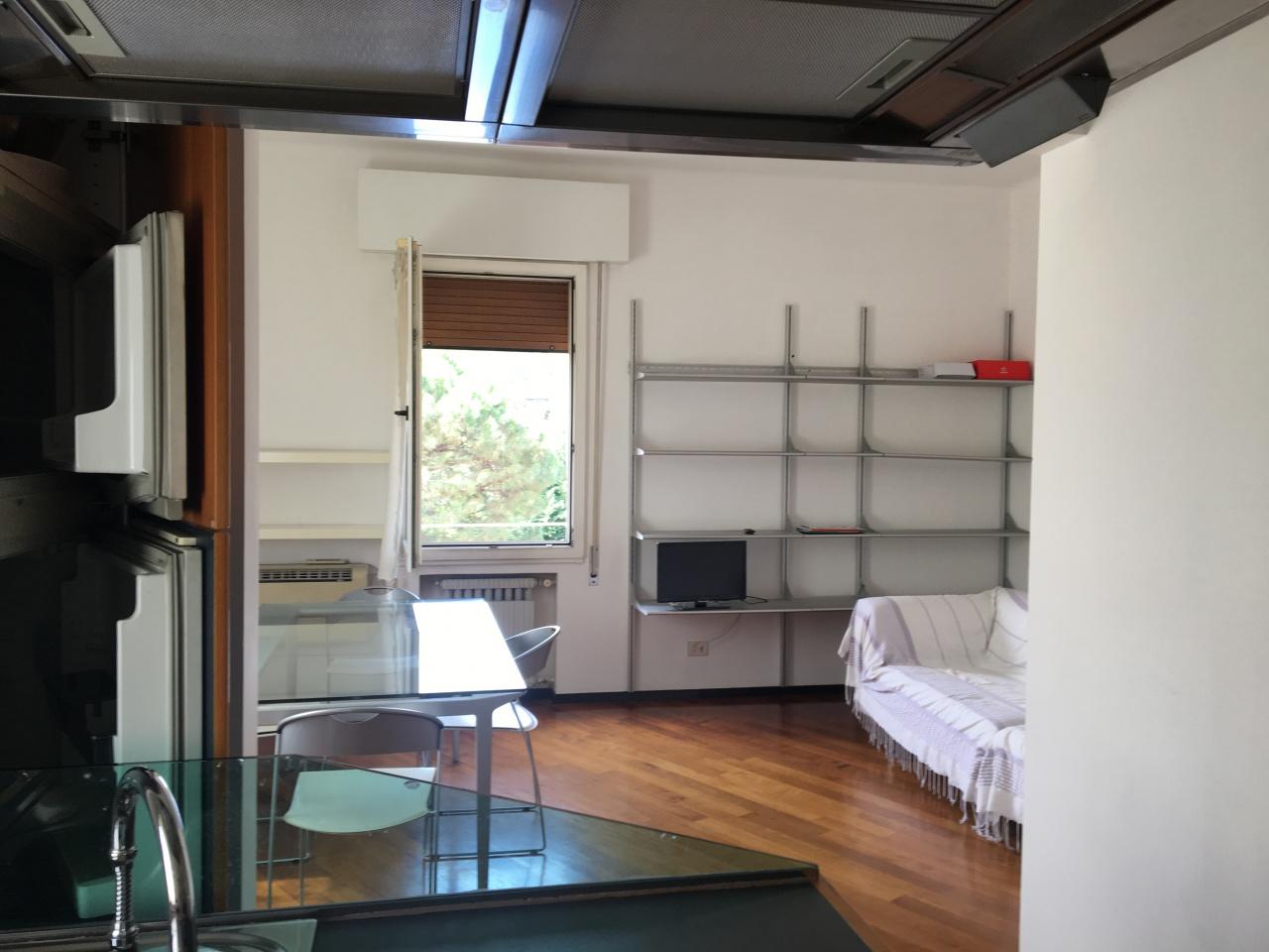 Appartamento in vendita a Bologna, 3 locali, prezzo € 250.000 | CambioCasa.it