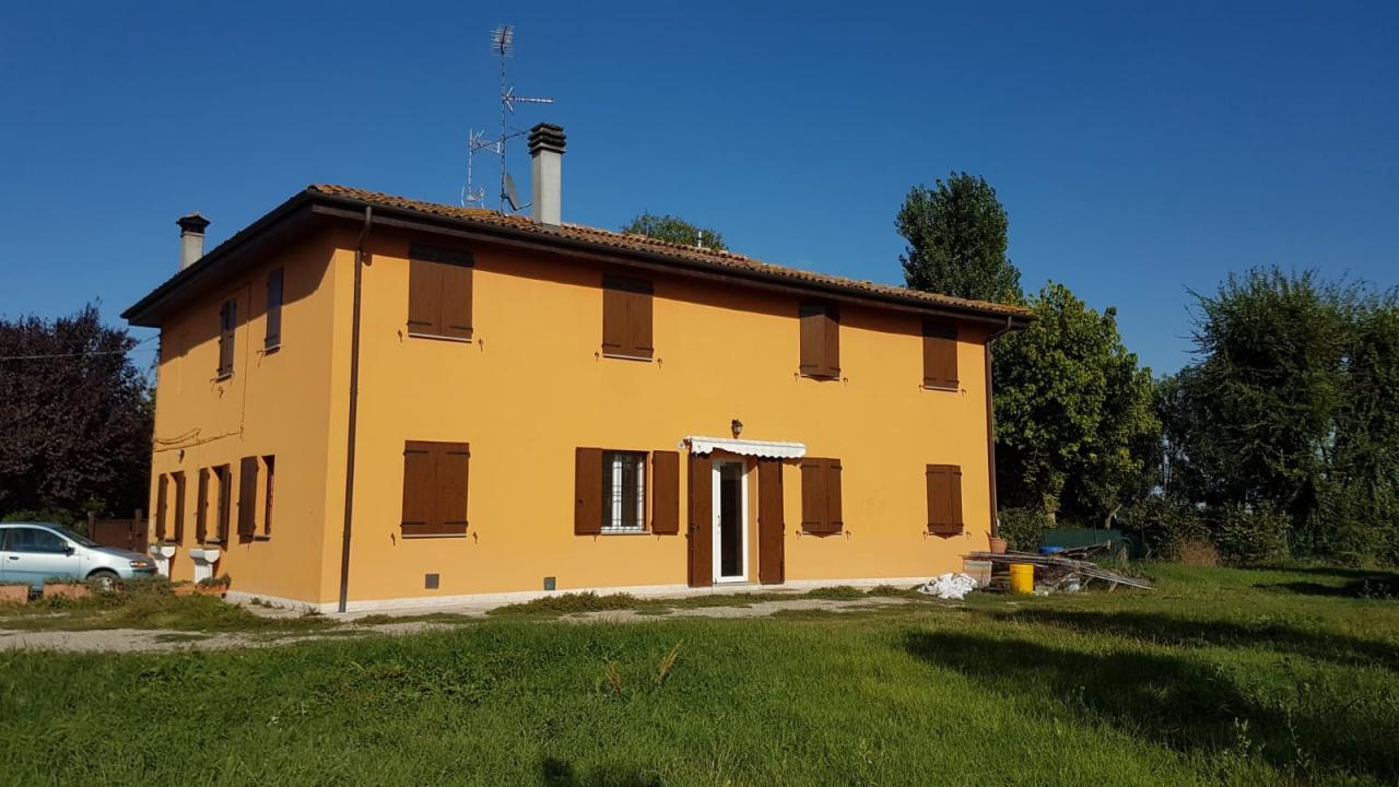Soluzione Indipendente in affitto a San Giovanni in Persiceto, 5 locali, prezzo € 800 | CambioCasa.it